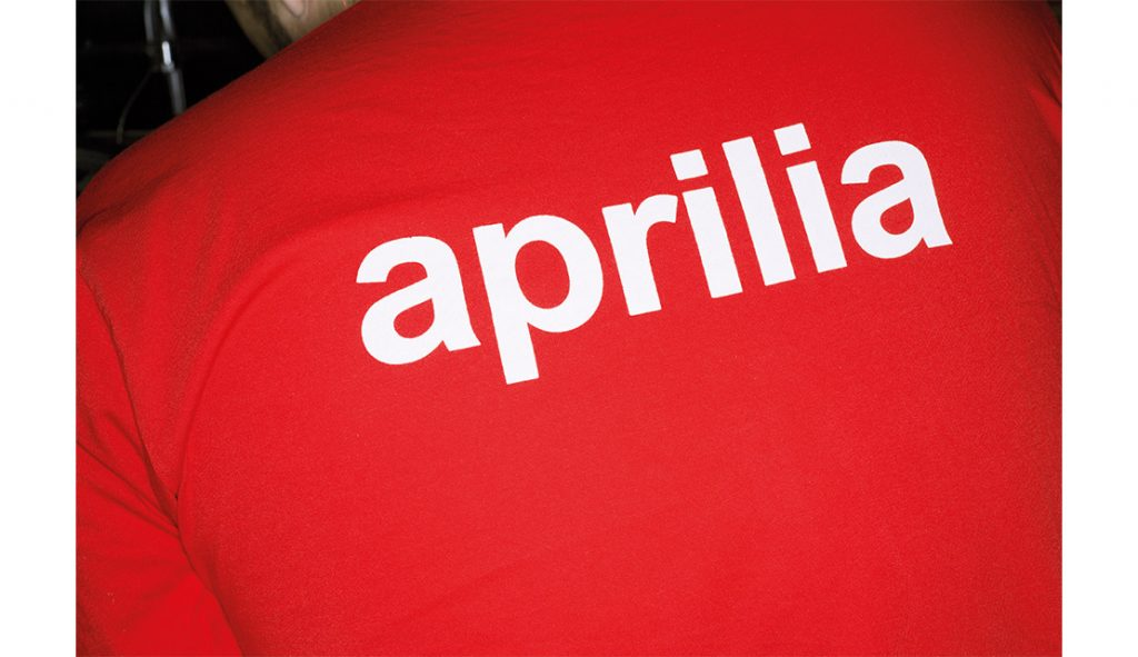 aprilia-redhead